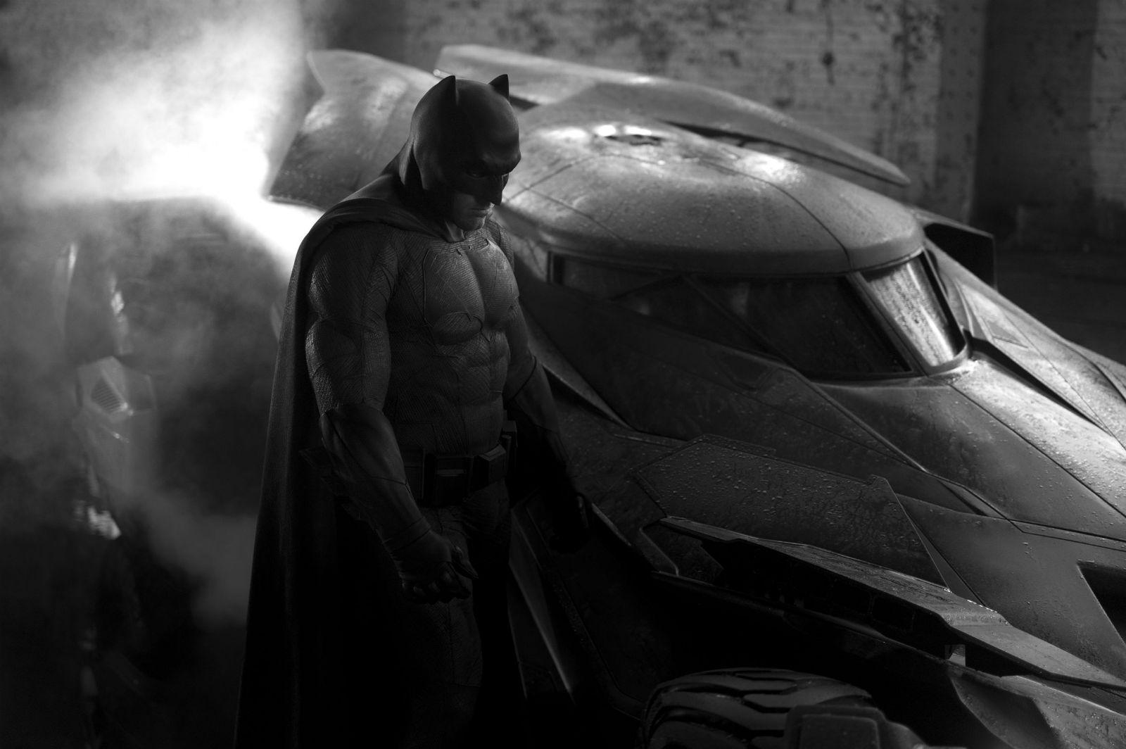 Batman-v-Superman-3d-batmobile-