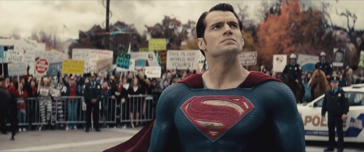 Batman-V-Superman-Dawn-of-Justice-3D-trailer-2-foto-1
