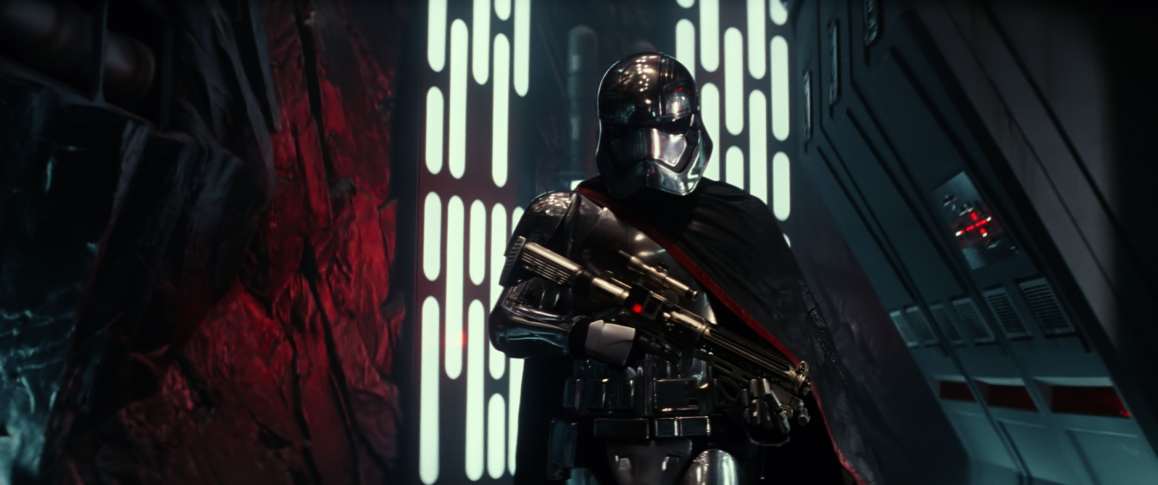 Star-Wars-7-Das-Erwachen-der-Macht-3D-Captain-Phase
